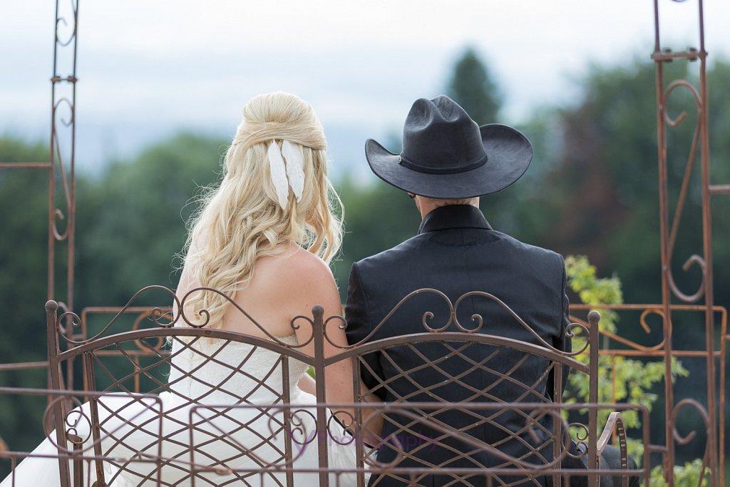 Cowboy-Cowgirl-Traumhochzeit.jpg